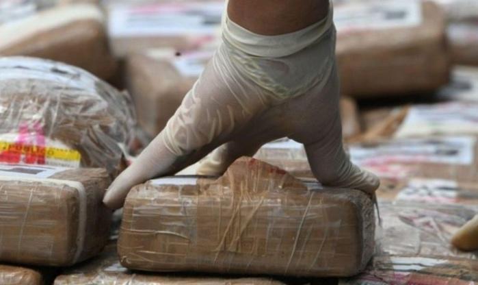 Gambie : 2,9 tonnes de cocaïne saisies, un Français recherché.
