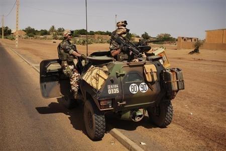Visite surprise de Jean-Yves Le Drian au Mali