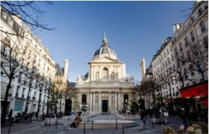 Disparition d'étudiants étrangers en France : le stress des examens et les risques de dépression à la barre