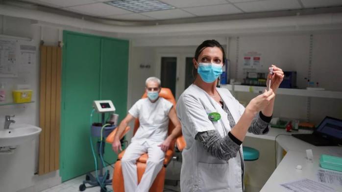 France : 6,4 millions de Français pourront se faire vacciner à partir de lundi.
