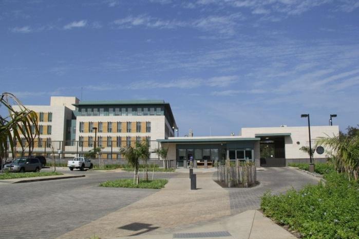 Vue de la nouvelle ambassade des etats unis dakar aux for Hotels unis de france