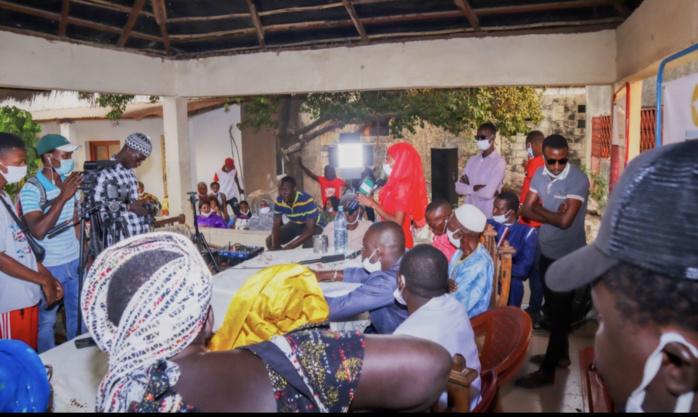 """Ralliement à Kolda : le mouvement """"Kolda debout"""" engloutit la coalition Nafooré de Fabouly Gaye (ex PDS)."""