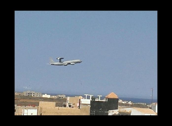 L'avion-espion de l'armée française vient de décoller de Dakar à 11h11, direction... Mali