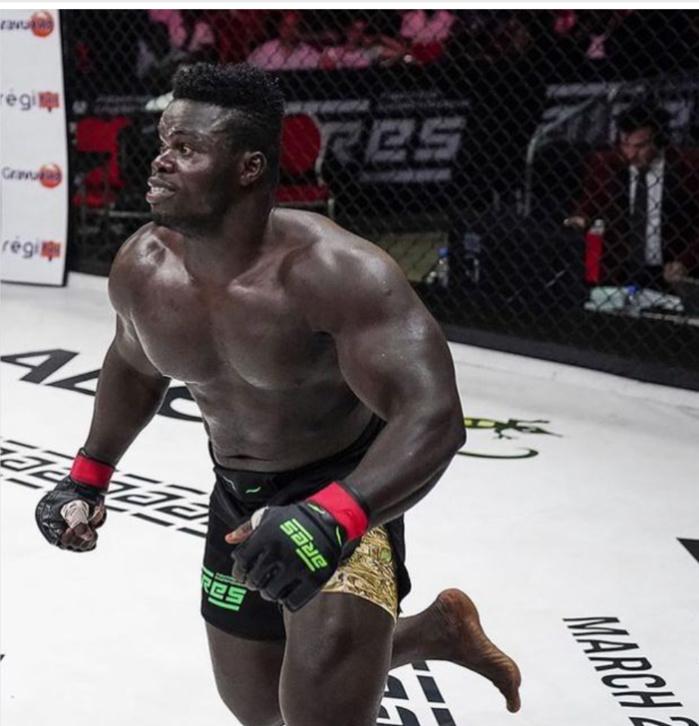 Combat MMA : Reug-Reug met Alain NGalani K.O !
