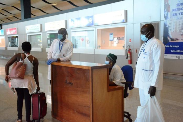 2ème vague Covid-19 / Le ministre de la Santé dénonce les faux tests présentés par les voyageurs à l'AIBD.
