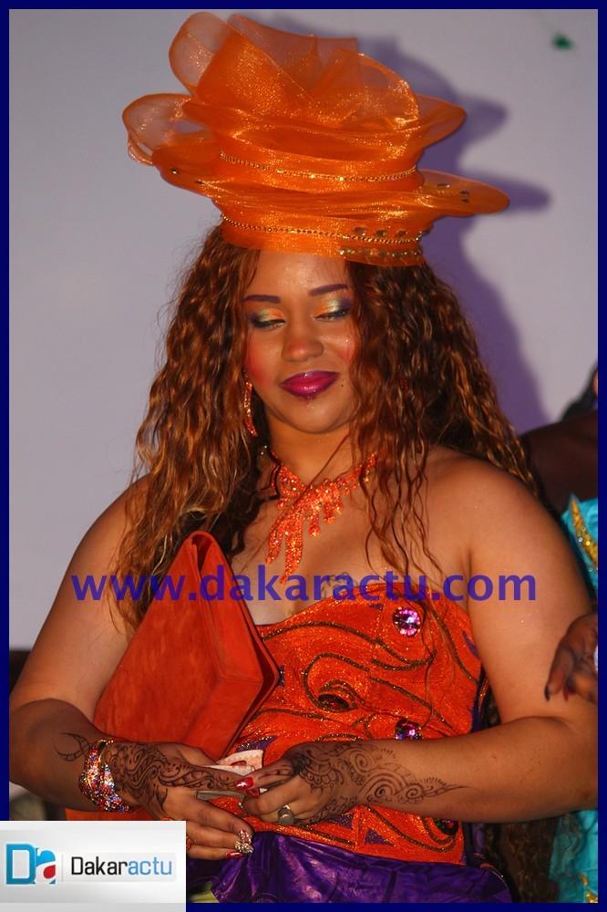 Mame Diarra, la femme de Djily Création a représenté son mari à l'anniversaire de Oumou Sow