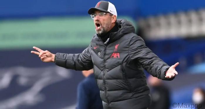 Eliminé en 8ème de final FA CUPv: Liverpool vers sa neuvième année sans trophée national.