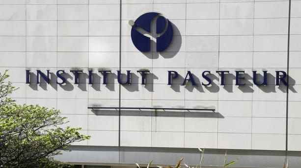 Covid-19 : l'institut Pasteur annonce l'arrêt de son principal projet de vaccin, pas assez efficace.
