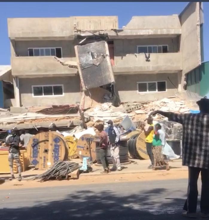 Khodaba (Keur Moussa)  : Un bâtiment R+3 s'effondre et fait beaucoup de victimes.