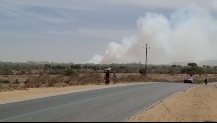 Incendie aux alentours des ICS Mboro : Les flammes maîtrisées par les secours.