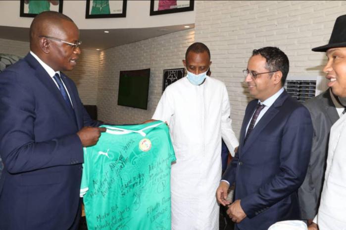 Élection présidence CAF : Ahmed Yahya reçu par le ministre des sports, Matar Bâ.