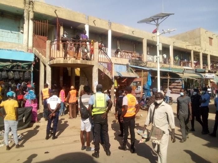 Kaolack : Démarrage des opérations de désencombrement du marché central (Images)