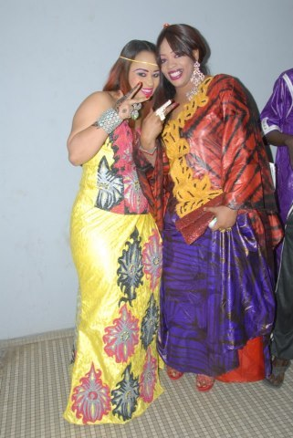 Nadège, la femme de Djily Création en compagnie de Oumou SOw
