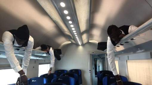 Balotelli, El Shaarawy et Niang s'amusent dans un train