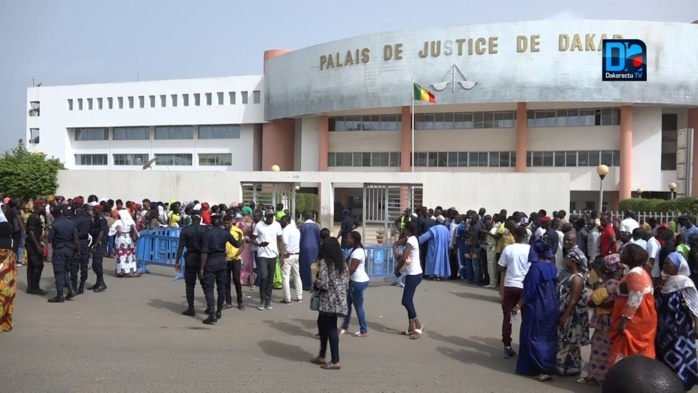 Affaire Sonko : Les 44 manifestants déférés attendent « toujours » leur face à face avec le procureur.