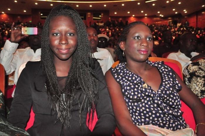 """Les deux filles de Babacar Gaye au Grand Théâtre pour assister au """"sargal"""" du meilleur album de l'année de Pape et Cheikh"""