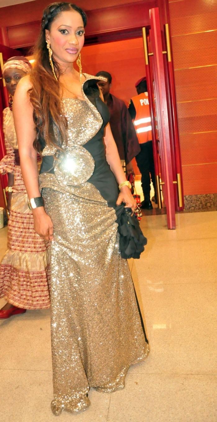 La plus belle robe de la soirée portée par Bébé Basse, la femme du chanteur Pape Diouf