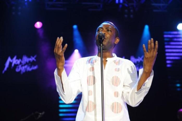 """Youssou N'dour se fait-il du mouron pour son titre de """"Roi du M'balax""""? Mr. le ministre du Tourisme vient de caler le concert de BERCY!"""