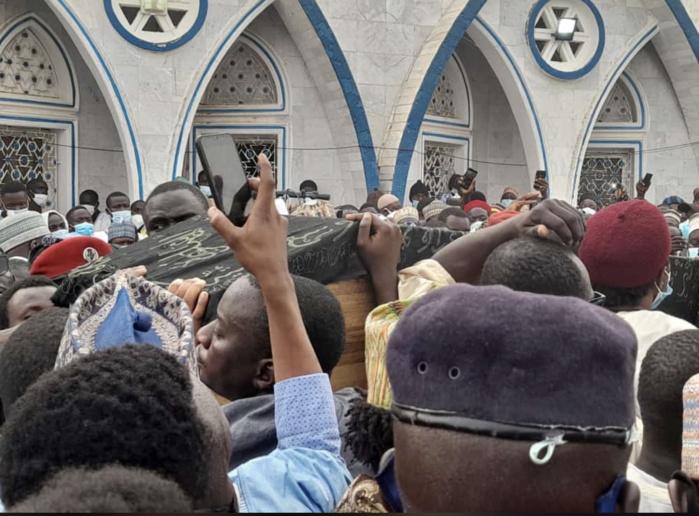 Médina Baye : Serigne Mansour Niass inhumé au cimetière de la cité religieuse.