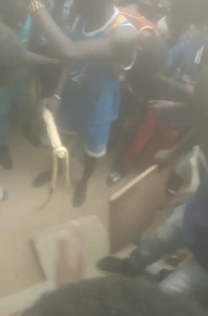 MBACKÉ / Des serpents dans une école...