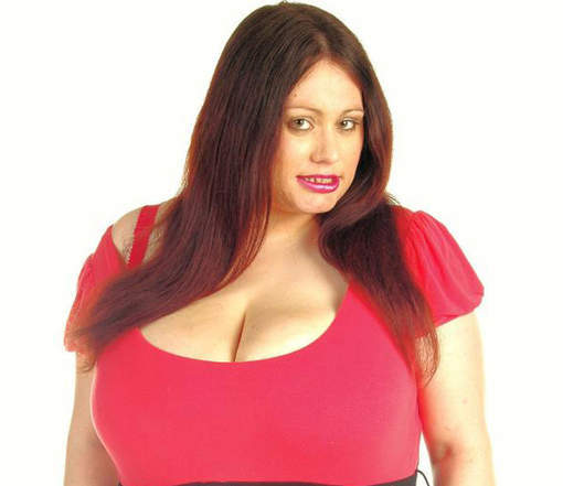 jeune femme coquine jeune petit seins