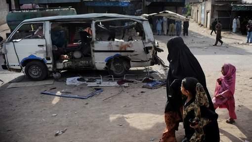 Une bombe tue un responsable politique au Pakistan