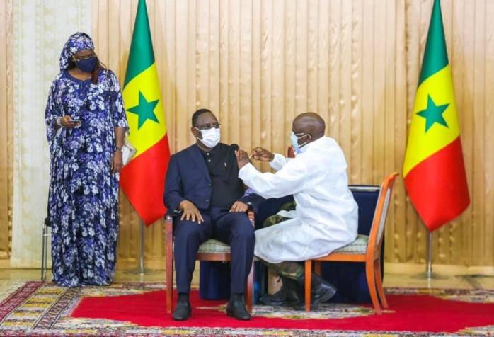 Macky Sall après s'être vacciné : «Si les gens ne prennent pas le vaccin, je vais les offrir aux autres pays Africains»