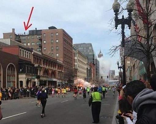 Qui est l'homme sur le toit lors de l'explosion de Boston?