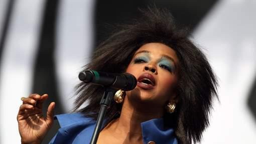 """Lauryn Hill supplie: """"Ne m'envoyez pas en prison"""""""