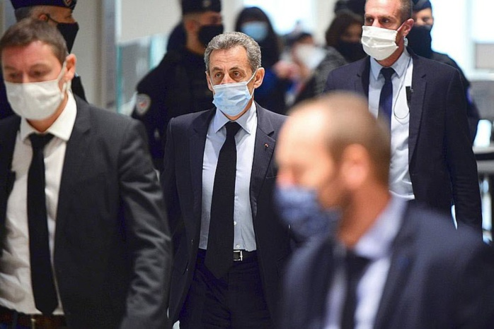 Affaire des «écoutes» : Nicolas Sarkozy déclaré coupable de corruption et de trafic d'influence, condamné à un an de prison ferme.