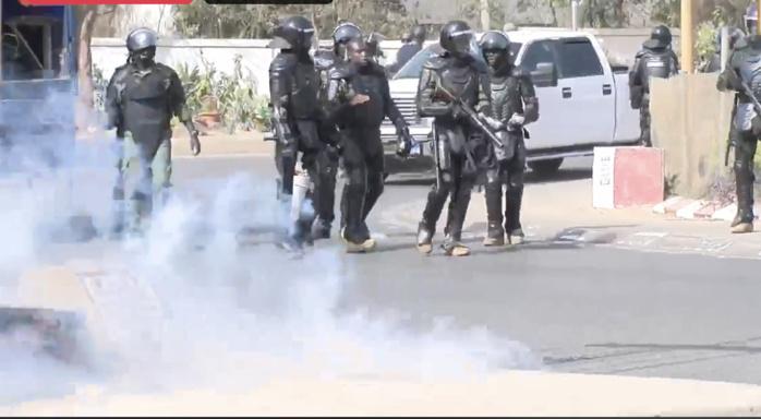 Dernière minute : Des scènes de manifestations éclatent à l'UCAD