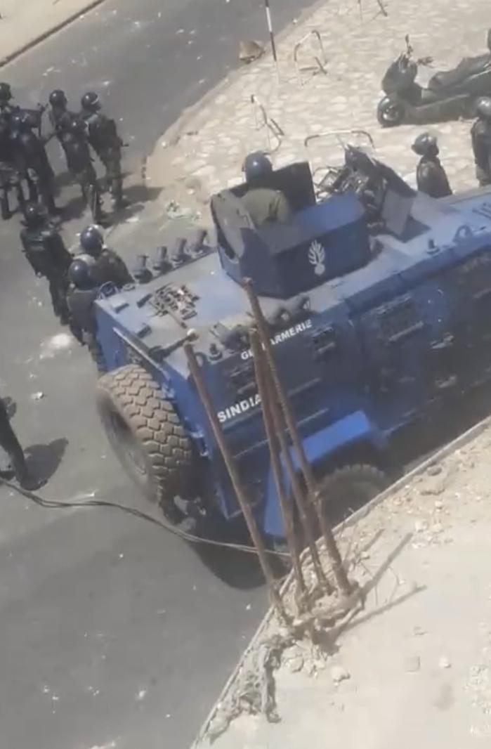 Urgent : Des manifestations devant la brigade de Colobane.