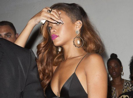 Rihanna : aussi sexy sur scène qu'en after party !