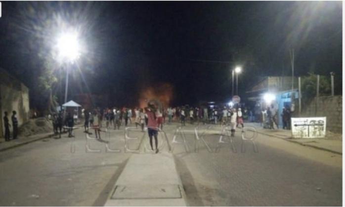 Arrestation de Sonko : Des manifestants vandalisent la maison du procureur de Ziguinchor.