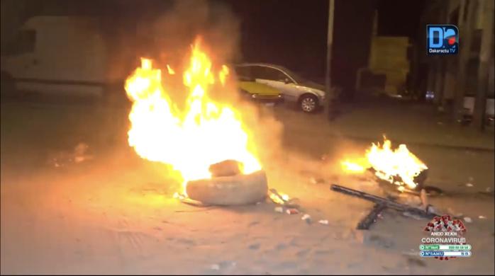 Jour-3 des manifestations à Ziguinchor / Une nuit vandale, la maison du procureur sacagée, la ville s'embrase et les manifestants determinés.