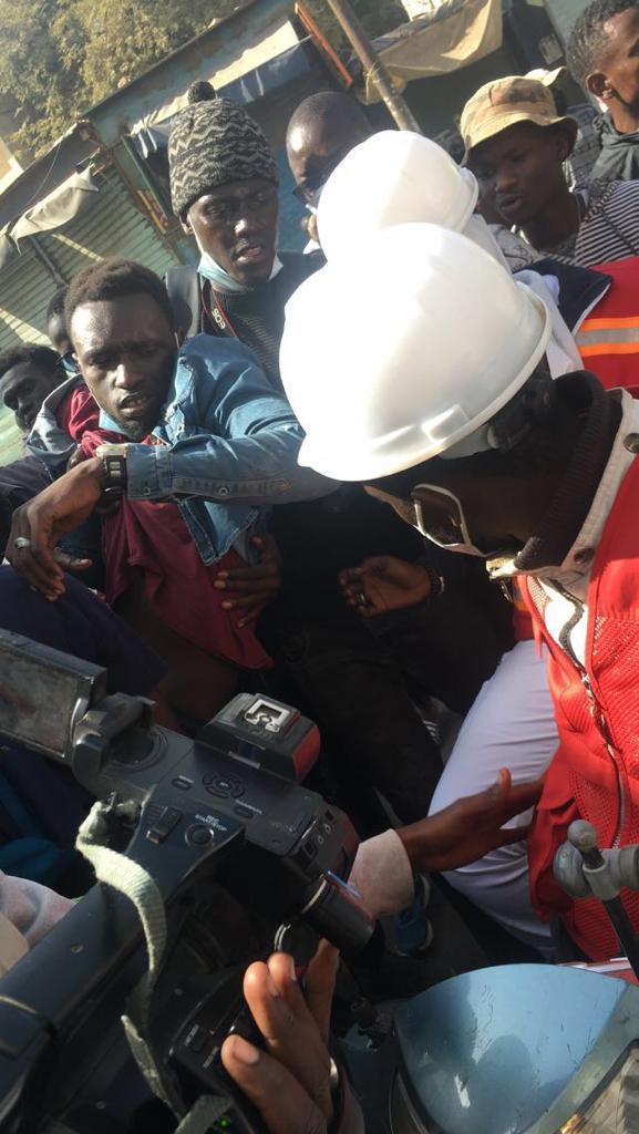 Place de l'Obélisque : Un jeune manifestant blessé par balle...