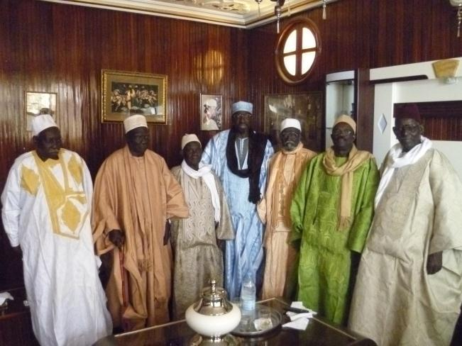 """SERIGNE NDAKARU"": Baye Dame Diene et compagnie reconnaissent Abdoulaye Makhtar Diop comme Grand Serigne de Dakar"