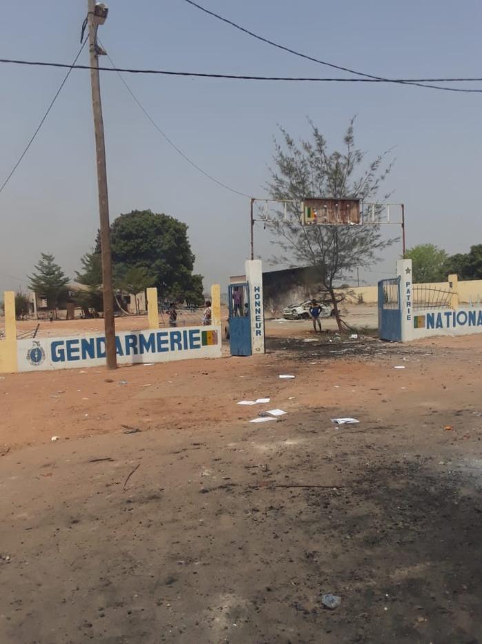 Arrestation de Sonko : Onze blessés graves dont six par balles réelles ; la gendarmerie et huit véhicules brûlés, des minutions emportées, la station Total saccagée… à Diaobé.