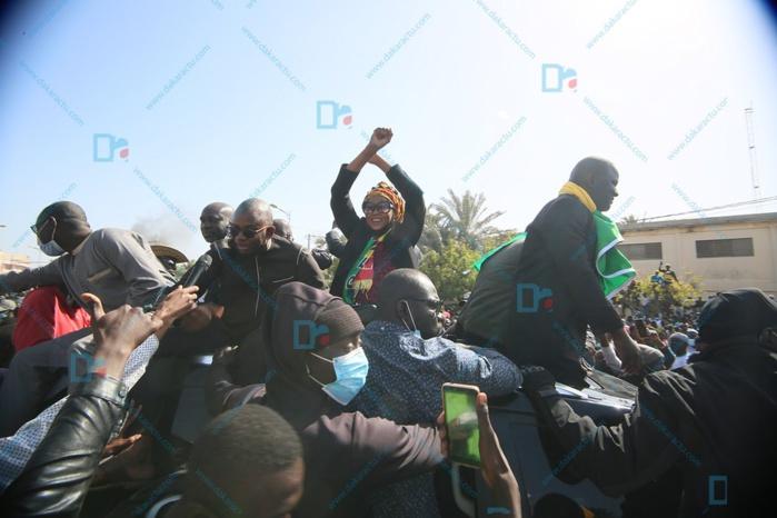Rassemblement à la Place de la Nation: la marche pacifique vire à la confrontation (Photos)