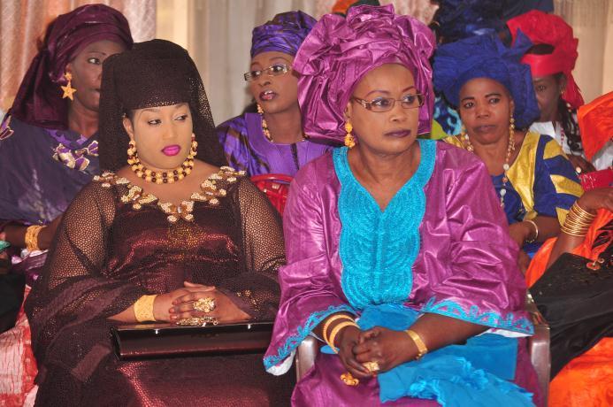 Fatou Gueye Niang la femme du bijoutier Mamadou Niang de parure d'or et la femme de Cheikh Gueye ancien ministre des élections