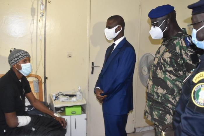 Manifestations au Sénégal : Le ministre de l'intérieur au chevet des blessés.