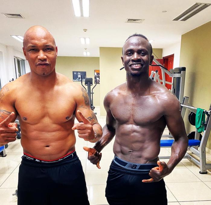 Quand Sadio Mané chante les louanges de Diouf : « avec le meilleur joueur de l'histoire de notre cher pays... Dioufy Niokho Baye! »