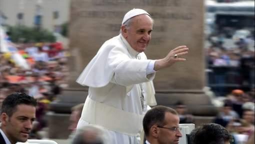 """Le pape dénonce la """"dictature d'une économie sans visage ni but humain"""""""