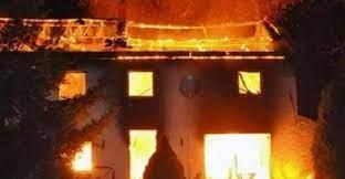 KOLDA : un incendie violent ravage  quatre appartements et une maison.