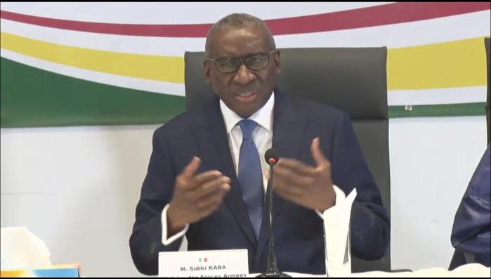 « Gouvernement illégitime » : Me Sidiki Kaba répond aux critiques d'opposants et défend l'État.