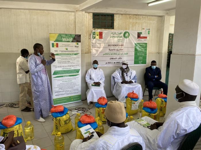 Ramadan : 150 kits alimentaires offerts à des familles de la communauté Lébou, par la Haute Autorité du Waqf.