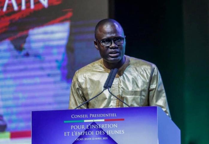 Khadim Diop, président du CNJ au PR : « Votre volonté politique de dégager 450 milliards FCFA (…) les 80 milliards FCFA pour le recrutement de 65 000 jeunes font de vous le champion de la promotion de l'emploi des jeunes ».