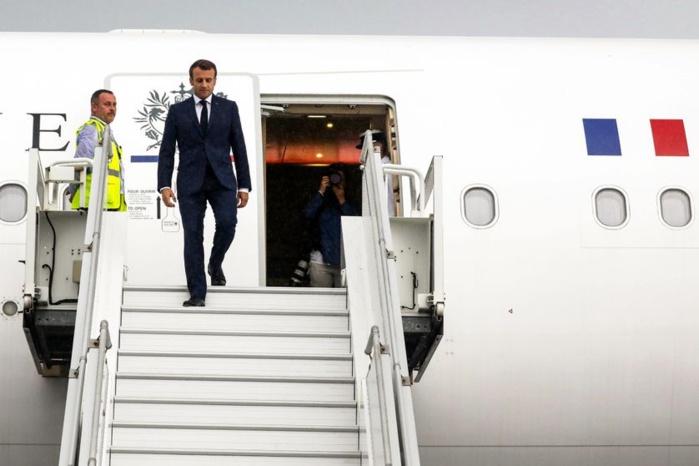 Funérailles de Idriss Déby : Le président français, Emmanuel Macron est arrivé à N'Djaména.