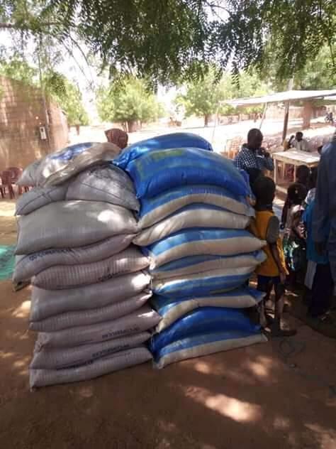 Commune de Dabaly : Samba Sall appuie les populations des 22 villages en denrées alimentaires.