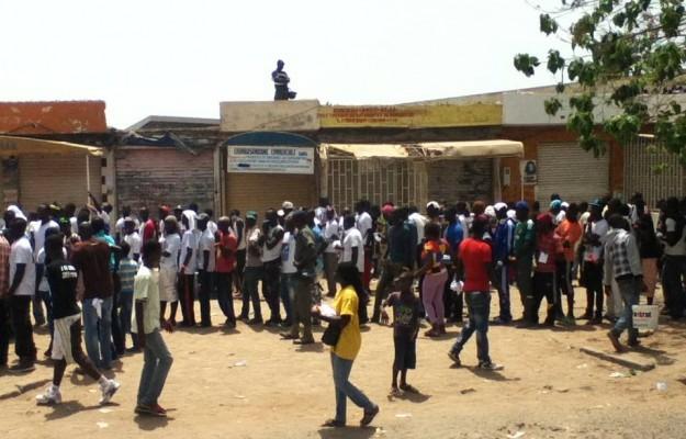 La jeunesse sénégalaise perdue entre la danse et la lutte
